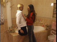 Blondchen entpuppt sich als heißblütige Lesbe